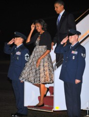 Us President Barack Obama and First Lady Michelle Obama step off Air Force One September 21, 2011 (Photo credit: MANDEL NGAN/AFP/Getty Images)